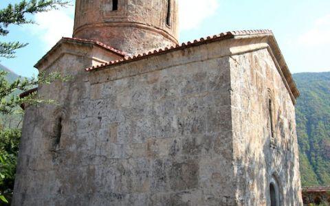 Албанская церковь в селе Киш
